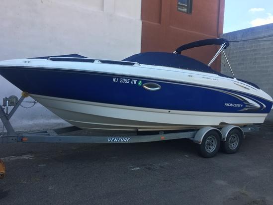 2004 Monterey 24' Boat