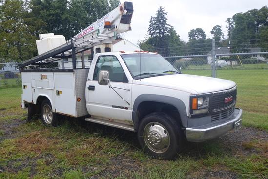 2000 GMC 3500HD Gas Bucket Truck