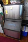 Manitowoc Ice Machine, 400 Lb. Bin