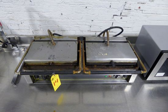 Double Panini Press w/Cast Iron Grooved Plates