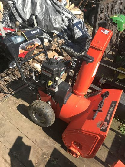 "Ariens 28"" Deluxe 28 Snow Blower"