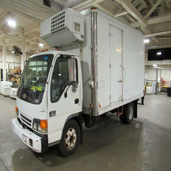 2000 Chevrolet Tilt Master Refrigerated Box Truck