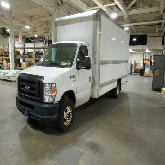2010 Ford E350 Super Duty 16' Gas Box Truck