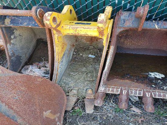 John Deere Bucket Attachment
