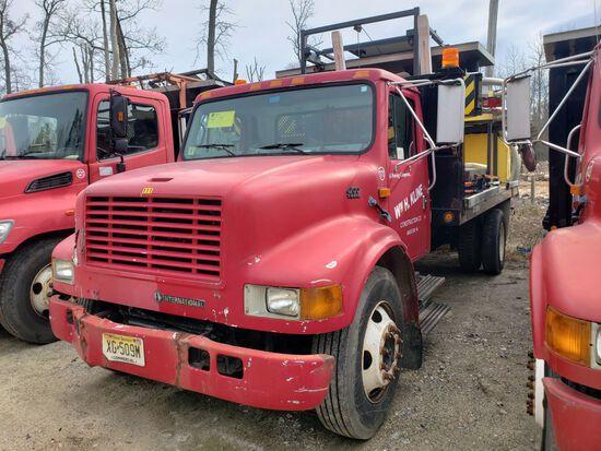 1999 International 4700 T444e Single Axle Attenuator Truck, Automatic Trans