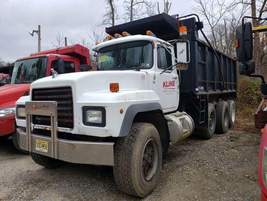 1996 Mack Rd688s Tri-axle Dump Truck, Eaton Fuller 8-speed Manual Transmiss