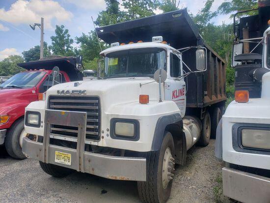 2000 Mack RD688S Tri-Axle Dump Truck