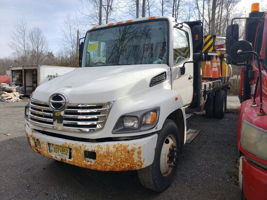 2006 Hino 238 Single Axle Attenuator Truck, Automatic Transmission, Diesel,