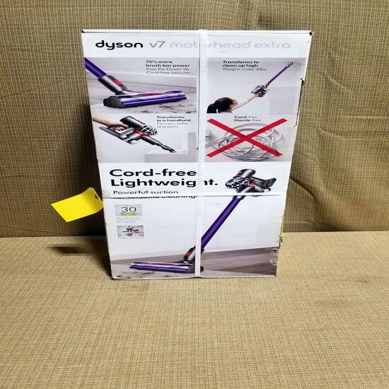Dyson V7 Cord Free Light Weight Vacuum