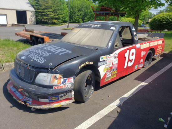 Stock Car (For Parts Only) (As-Is) (Doesn't Run)