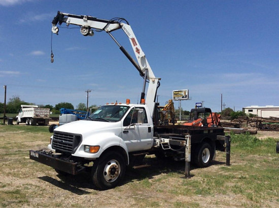 IMT 1295-9000, Hydraulic Knuckle Boom Crane mounted behind