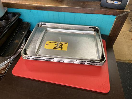 LOT: ALUMINUM SHEET PANS, 4-CAKE PANS, POLY CUTTING BOARD
