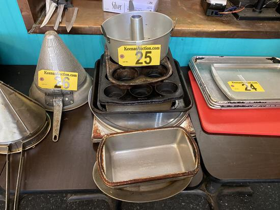 LOT: 16-ASSORTED BAKING PANS