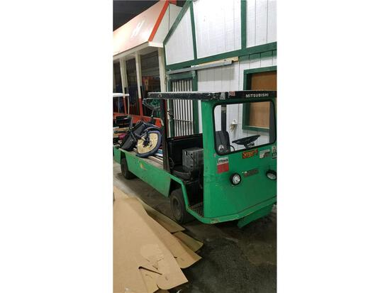 EZ-GO FLATBED UTILITY CART, ELECTRIC W/ CHARGER