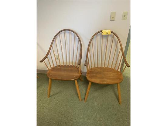 """1999 THOS. MOSER CONTINUOUS ARM WINDSOR DINING CHAIR, 41""""H X 24""""W X 24""""L"""