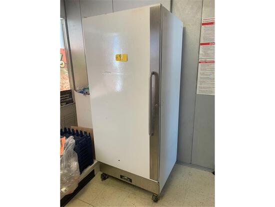 ARCTIC AIR COMMERCIAL STAND UP FREEZER ON CASTERS MODEL F2ZCWF4