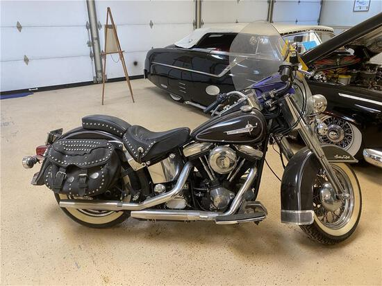 1987 HARLEY DAVIDSON HERITAGE SOFTAIL MOTORCYCLE, FLSTC, MILES: 36,073 VIN: 1HD1BJL44JY011832 - HS