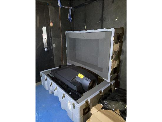SONY SRX-S110 DATA PROJECTOR IN SHIPPING CASE (NO LENS)