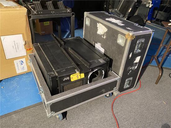 JVC D-ILA PROJECTOR DLA-RS2000K W/ SHIPPING CASE & (2) FRONT ELEVATION BRACKETS