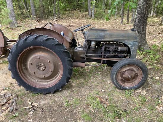 1940 FORD MODEL 9N 4X2 2WD FARM TRACTOR, S/N: 9N34474