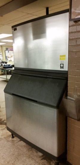 MANITOWOC ICE MAKER / MACHINE WITH BIN QD1392N