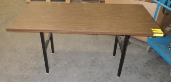 WOOD LAMINATE TABLE WITH METAL LEGS
