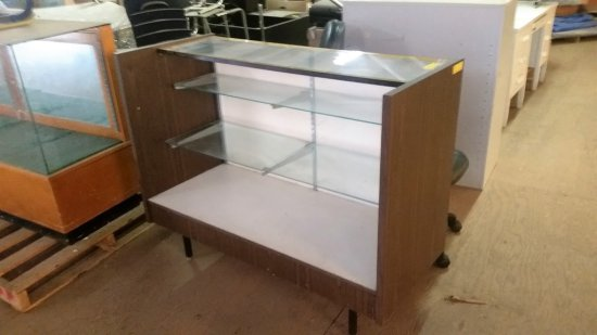 LAMINATE AND GLASS DISPLAY CASE
