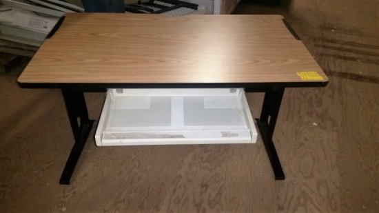 LAMINATE TOP DESK WITH UNDERNEATH KEYBOARD TRAY