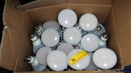 LOT OF 36 SYLVANIA LED FLOODLIGHT BULBS