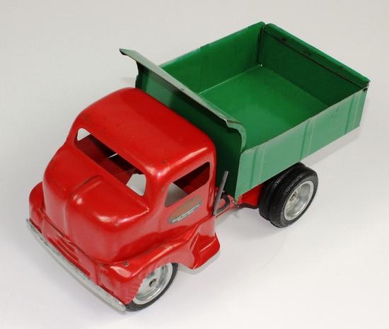 VINTAGE TONKA RED & GREEN PRESSED STEEL DUMP TRUCK