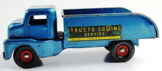 VINTAGE STRUCTO TOWING SERVICE NO. 910 WRECKER / TOW TRUCK