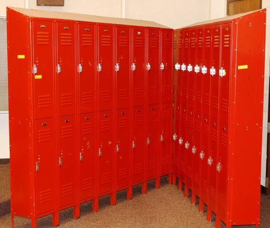 BANK OF 16 EACH METAL LOCKERS