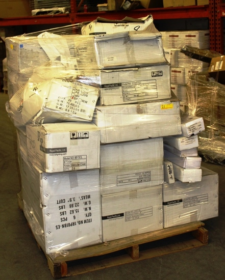 MIXED PALLET OF ROYAL PACIFIC LTD. LIGHTING HARDWARE