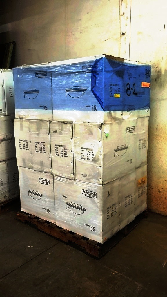 Lot Pallet Of 18 Bo New Royal Pacific Lighting Fixtures