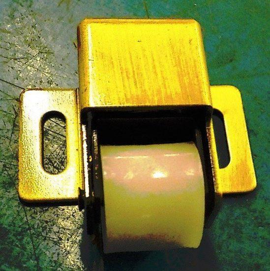 LOT OF OVER 600 NEW TAYMOR NYLON JUMBO ROLLER BULLET CATCH