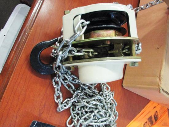 JET L-100-50 SAMPLE 1/2 TON CHAIN HOIST WITH BOX AND MANUAL