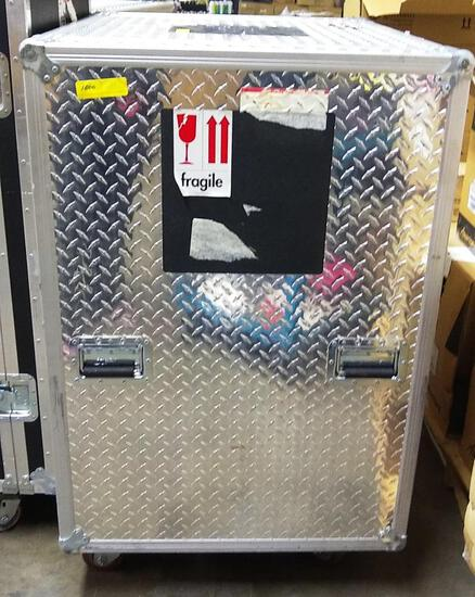 HEAVY DUTY DIAMOND PLATE ROLLING EQUIPMENT CASE -