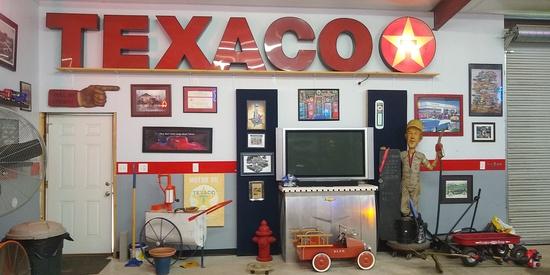 TEXACO Star Trek NEON SIGNS Tools Fort Worth, TX