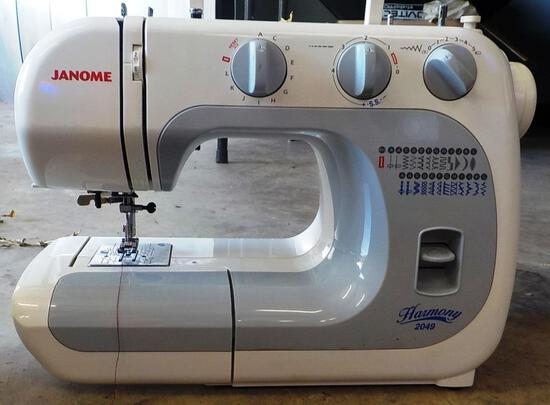JANOME SEWING MACHINE WITH FOOT PEDAL AND MANUAL