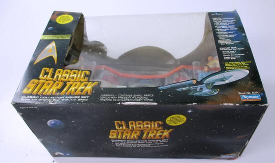 LOOKS NEW, IN THE BOX: PLAYMATES CLASSIC STAR TREK FIGURE SET