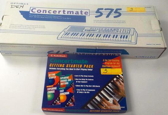LOOKS NEW OPTIMUS CONCERTMATE 575 KEYBOARD AND BOOKS