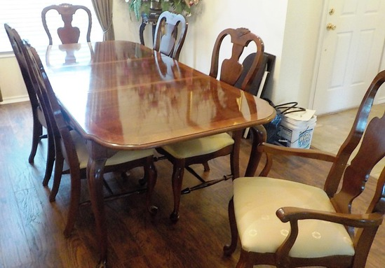 DINING TABLE WITH 1 LEAF, TABLE COVER & 6 CHAIRS