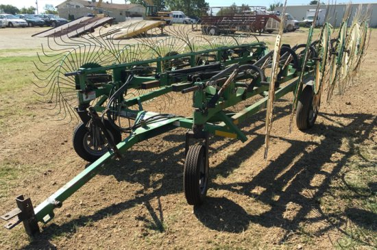 Frontier WR1112 12 Wheel Hay Rake | Heavy Construction