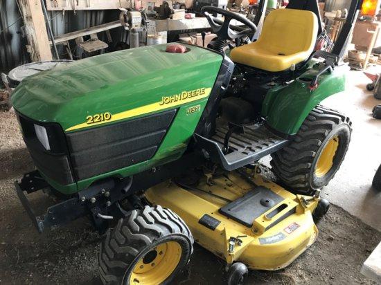 John Deere 2210 HST 4wd Tractor w/Belly Mower