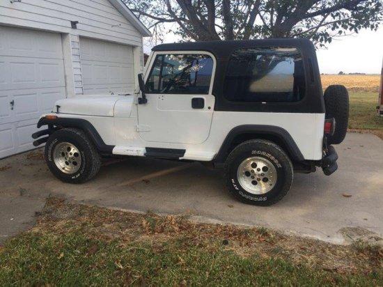 *1994 Jeep Wrangler 4x4 White