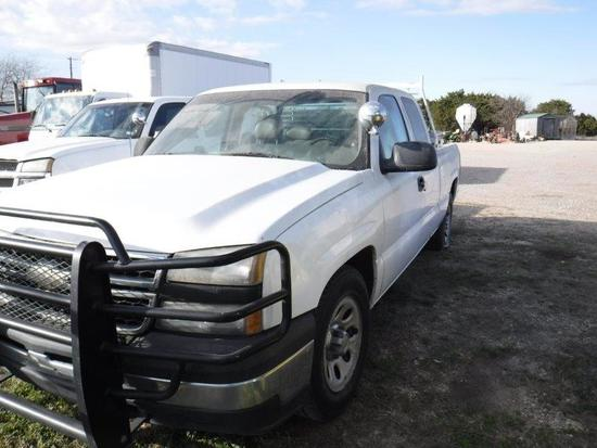*2006 GMC Extended Cab Truck 4x4