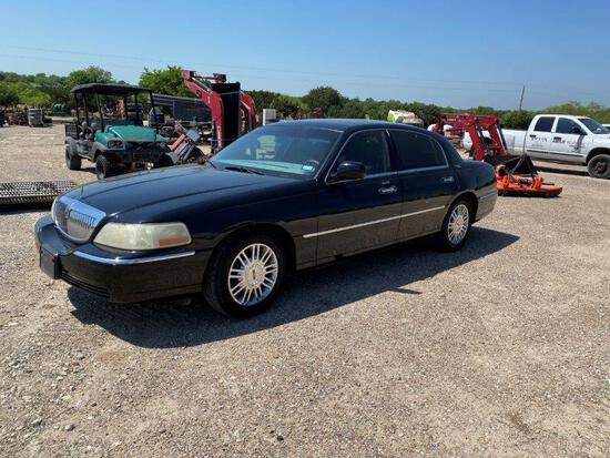 *2007 Lincoln Town Car Signature Limited