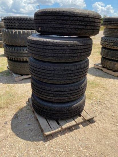 5pc New Michelin 245/75R 17 w/Jeep Rims