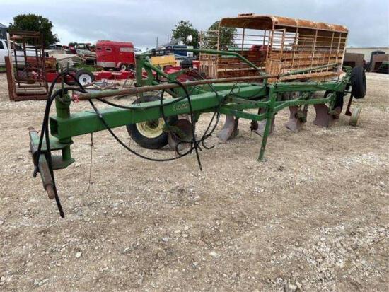 John Deere 1450 Mold Board Plow