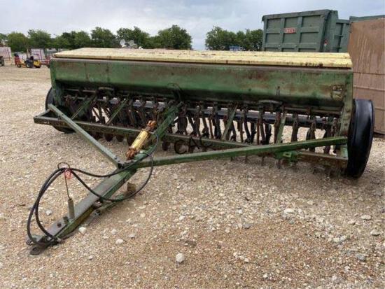 John Deere 8350 Planter